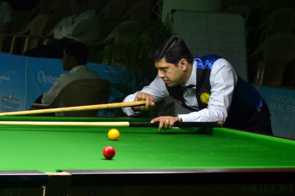 Description: http://www.cuesportsindia.com/global/2011/acbs/images/asiansnooker/Day1-12.JPG