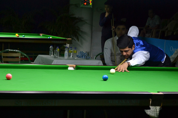 Description: http://www.cuesportsindia.com/global/2011/acbs/images/asiansnooker/Day1-20.JPG