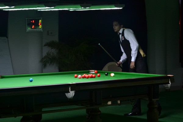 Description: http://www.cuesportsindia.com/global/2011/acbs/images/asiansnooker/Day1-4.JPG
