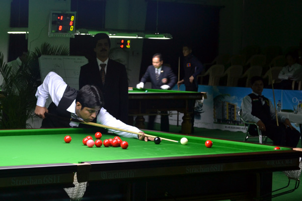 Description: http://www.cuesportsindia.com/global/2011/acbs/images/asiansnooker/Day1-7.JPG