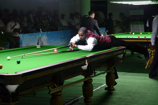 Description: http://www.cuesportsindia.com/global/2011/acbs/images/asiansnooker/Day2-13.JPG