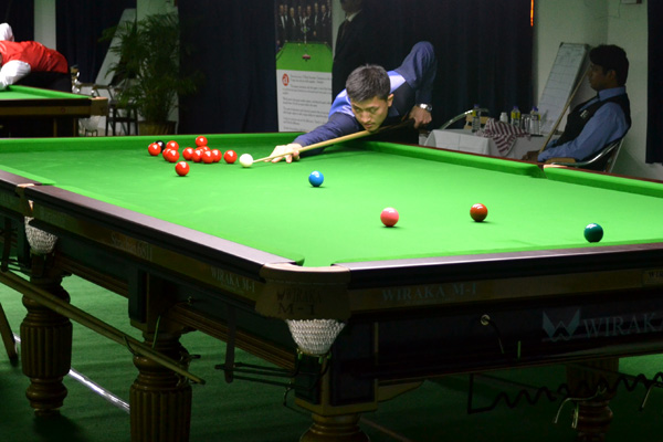 Description: http://www.cuesportsindia.com/global/2011/acbs/images/asiansnooker/Day2-16.JPG