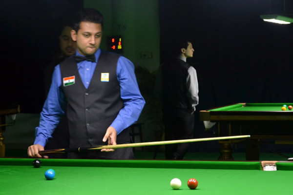 Description: http://cuesportsindia.com/global/2011/acbs/images/asiansnooker/Day3-10.JPG