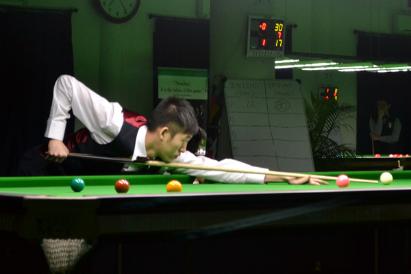 Description: http://cuesportsindia.com/global/2011/acbs/images/asiansnooker/Day3-8.JPG