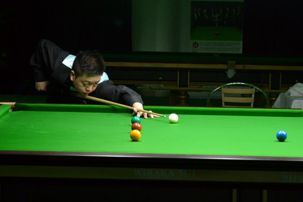 Description: http://cuesportsindia.com/global/2011/acbs/images/asiansnooker/Day4-10.JPG
