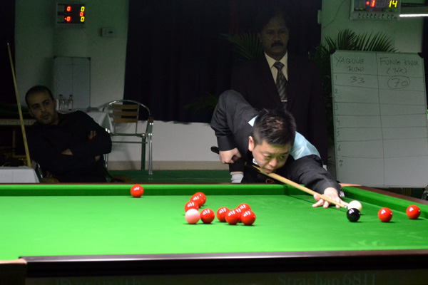 Description: http://cuesportsindia.com/global/2011/acbs/images/asiansnooker/Day4-13.JPG