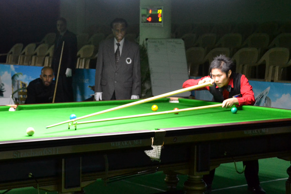 Description: http://cuesportsindia.com/global/2011/acbs/images/asiansnooker/Day4-16.JPG