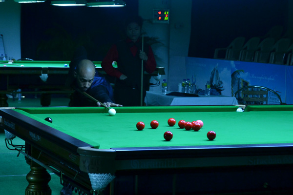 Description: http://cuesportsindia.com/global/2011/acbs/images/asiansnooker/Day4-19.JPG