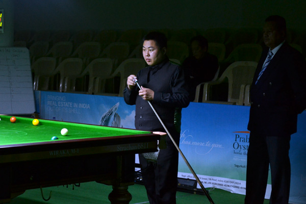 Description: http://cuesportsindia.com/global/2011/acbs/images/asiansnooker/Day4-6.JPG